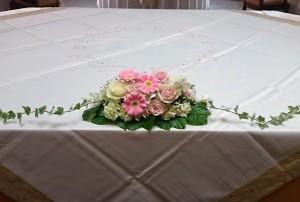 ケーキ前装花